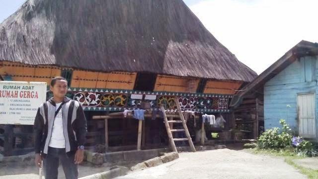 Rumah Adat Karo Desa Lingga