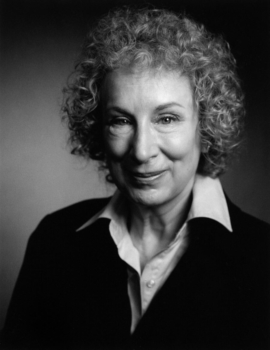 margaret atwood handmaid tale essay A level essay questions on the handmaid's tale 1 what is the importance of moira in the to what extent has margaret atwood made you think differently about the position of women in our own society (p279) discuss the way in which atwood has chosen to present offred's story to us saying how effective you find it.