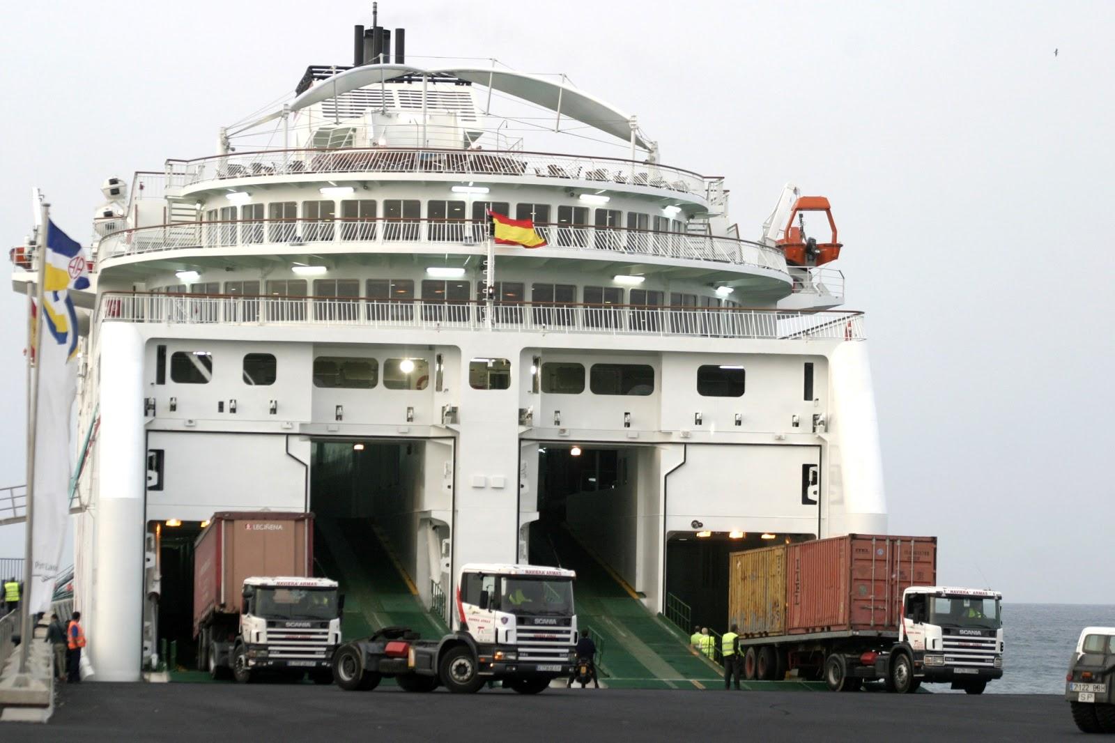Navieraarmasblog viajar con veh culo en naviera armas for Horario oficina naviera armas las palmas