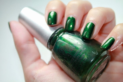 Jolly Holly // China Glaze