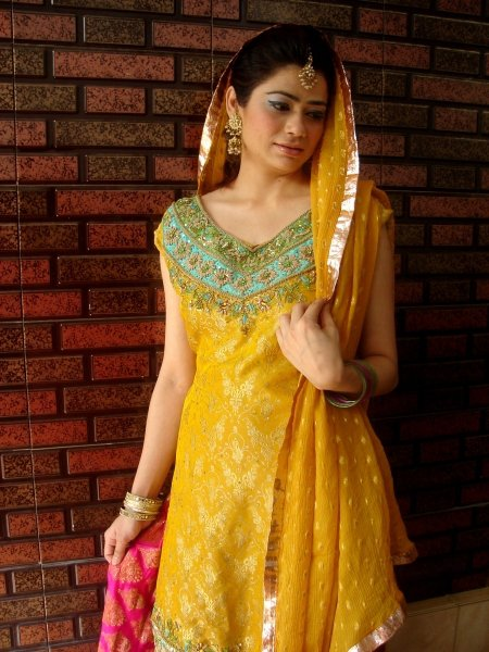 Mehndi Dresses2 - Bridal Mehendi Dressez