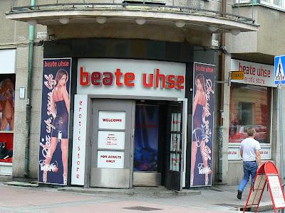 Obiective turistice Finlanda: sex shop Beate Uhse Helsinki