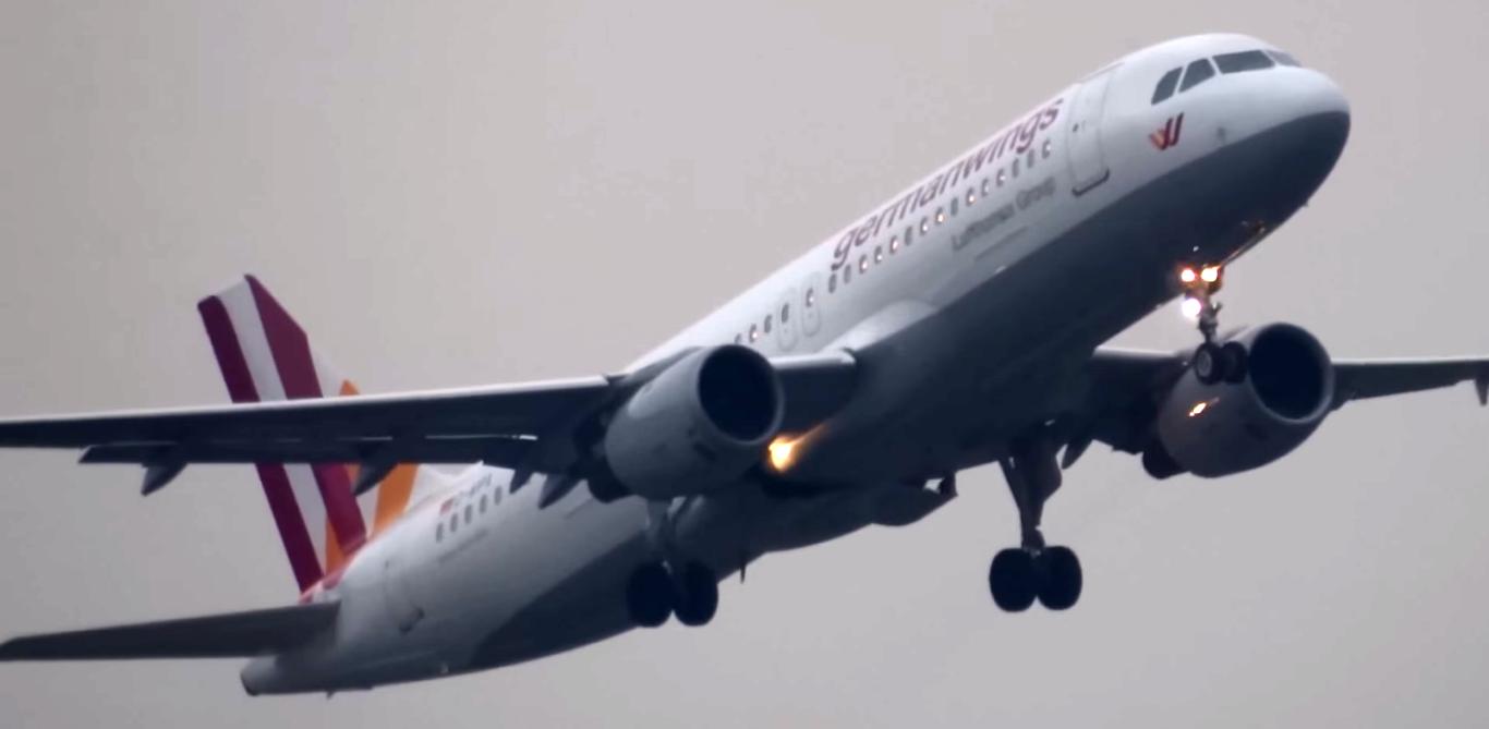 Airbus A320, Franciaország, Germanwings, Germanwings 9525, légi katasztrófa, repülőgép baleset, utasszállító repülőgép, Andreas Lubitz, Andreas Günther Lubitz