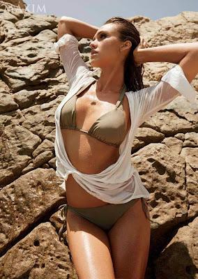 Jessica Alba hot in sexy bikini for Maxim magazine September 2014 photoshoot