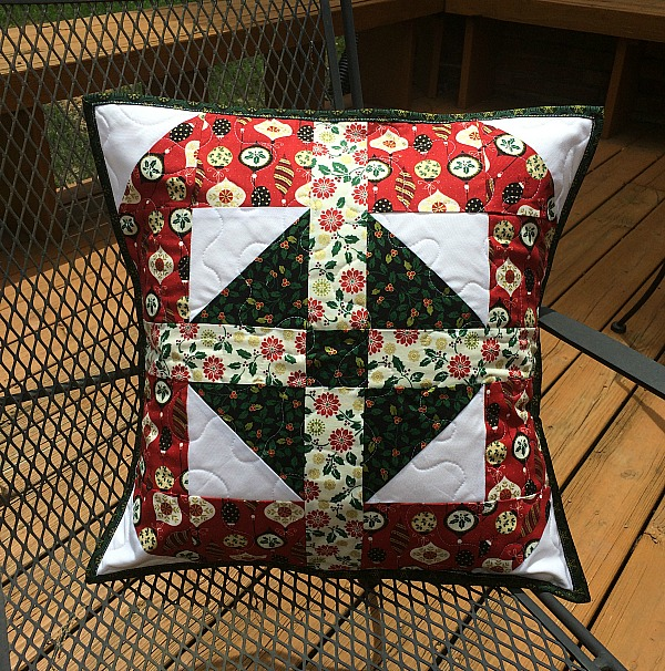 Sew Decorative Pillow Fabric : Sew in Love {with Fabric}: Christmas in July: Throw Pillow