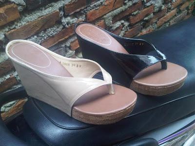 Aneka model sepatu sandal wanita murah,keren dan terbaru,sandal keren model Milo, Black