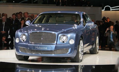 2011_Bentley_Mulsanne_Front_View