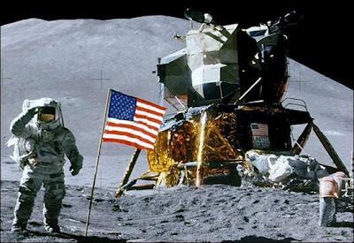 Foto Primer hombre en la luna