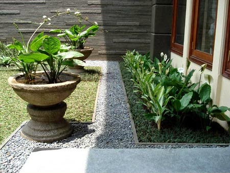 Gambar Taman Rumah Minimalis samping rumah