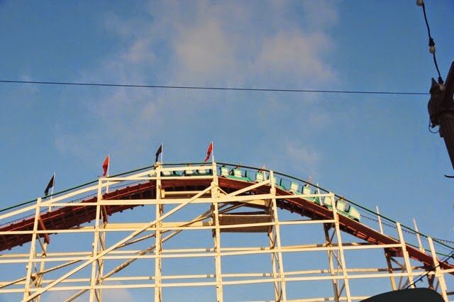 Rollercoaster_Belmont_Park