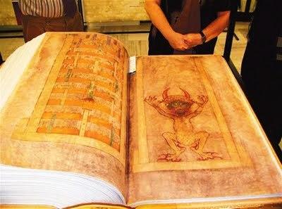 biblia del diablo, Bíblia de Satanás, Biblia del demonio, the gigas codex, codex of gigas, el codex gigas, devils bible, curiosidades, Bíblia de Satanás, Biblia del demonio, Biblia del diablo, Código Gigas, Codex Gigas, CURIOSIDADES, Leyendas, leyendas negras, Libro gigante, LIBROS, Libros enigmáticos, Libros malditos, Manuscritos enigmáticos, Manuscritos medievales, Rarezas