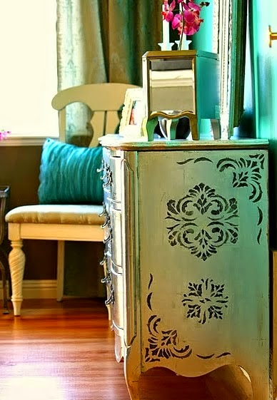 stencil,τεχνικη stencil,διακοσμηση με stencil,διακοσμηση σπιτιου,χειροποιητη διακοσμηση,εσωτερικη διακοσμηση,τεχνικες ζωγραφικης,stencil σε ξυλο,στενσιλ