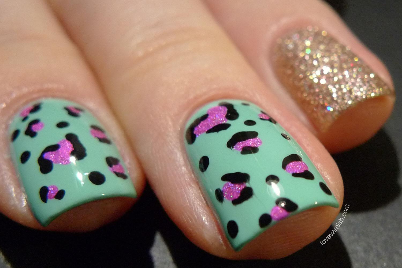 Leopard print nail art freehand