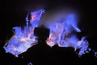 blue fire ijen crater, kawah ijen, blue lagoon,