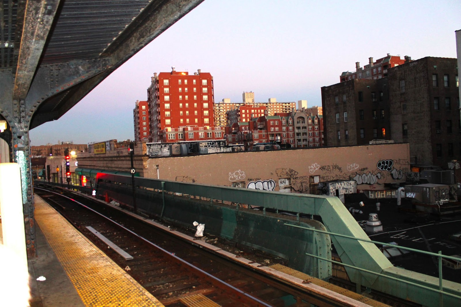 brighton-beach-new-york-subway-station