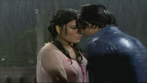 cine cam stills zeenat aman enjoying in rain