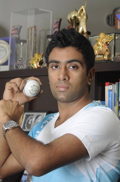 Ravichandran ashwin bowling action in csk