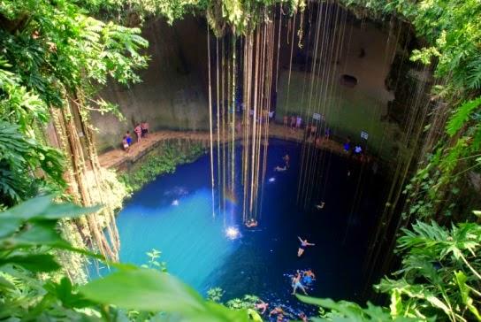 Cenote Ik-Kil (Yucatán, México).