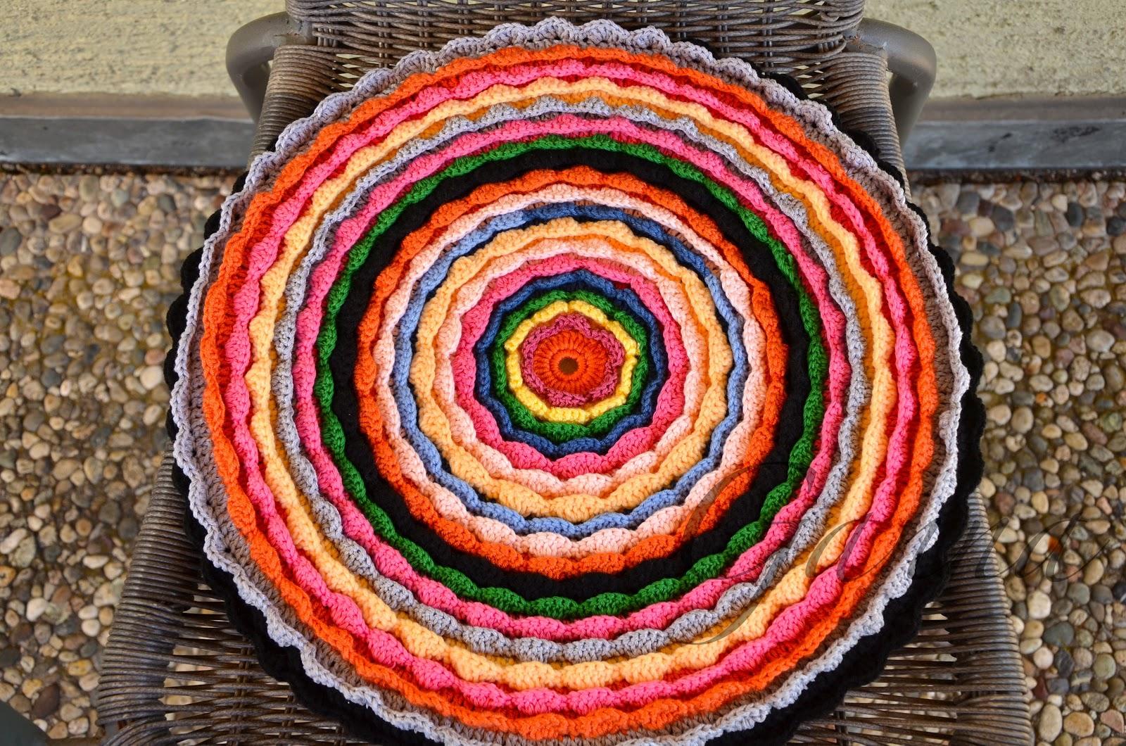 Вязание крючком из остатков пряжи коврик 90