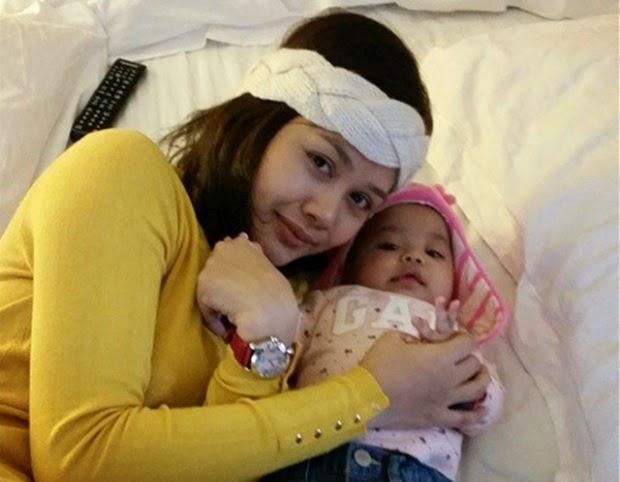 Foto Hot Mummy Liana Jasmay Dengan Anaknya Ibu dan Anak Hot