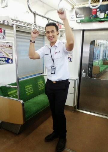 Yudi Ramdhan Petugas KRL Ganteng