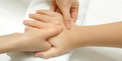 5 Bahaya Membunyikan Persendian Jari / Leher Terlalu Sering