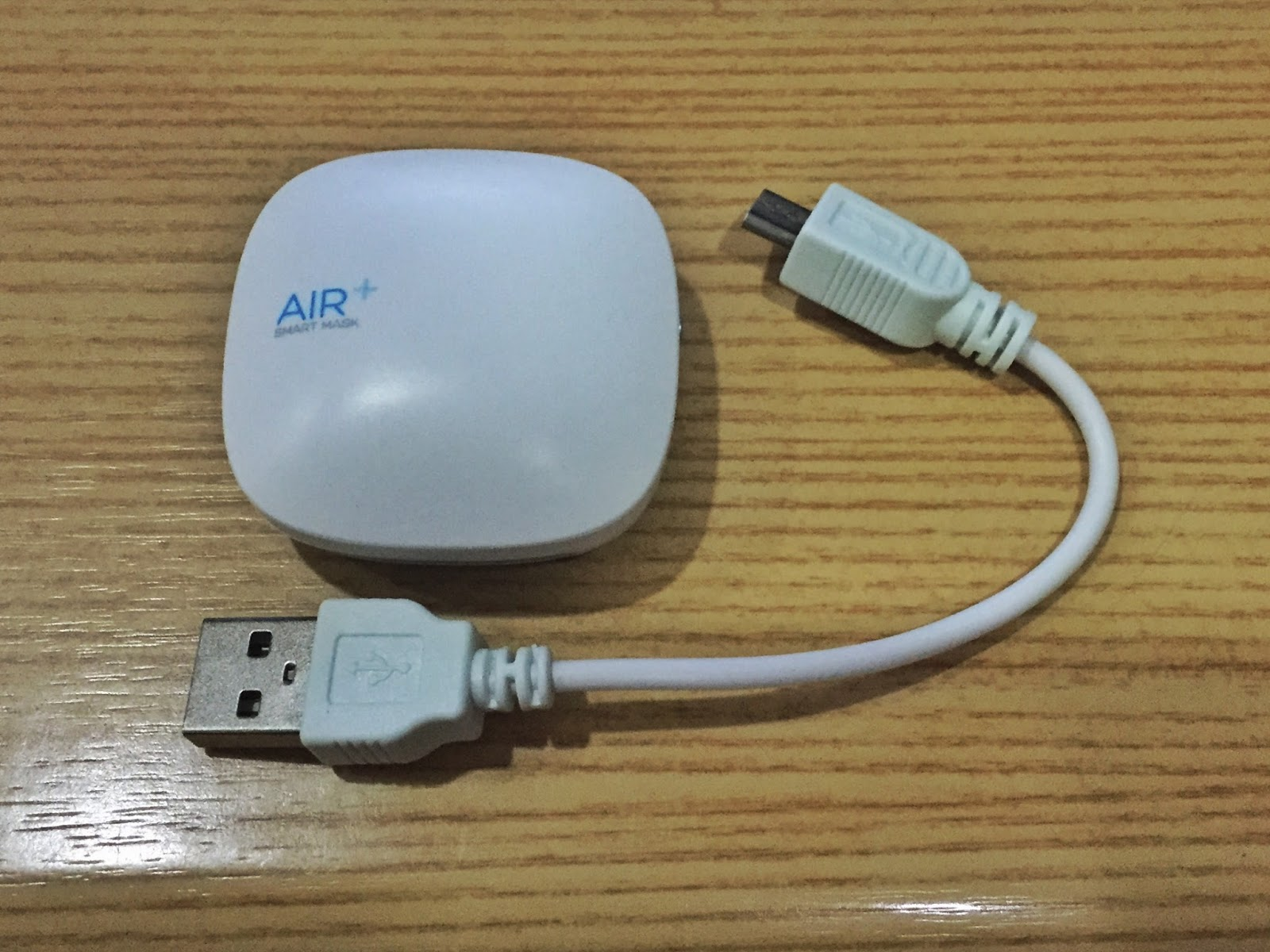The small and light AIR  micro ventilator and the accompanying USB  #614E30