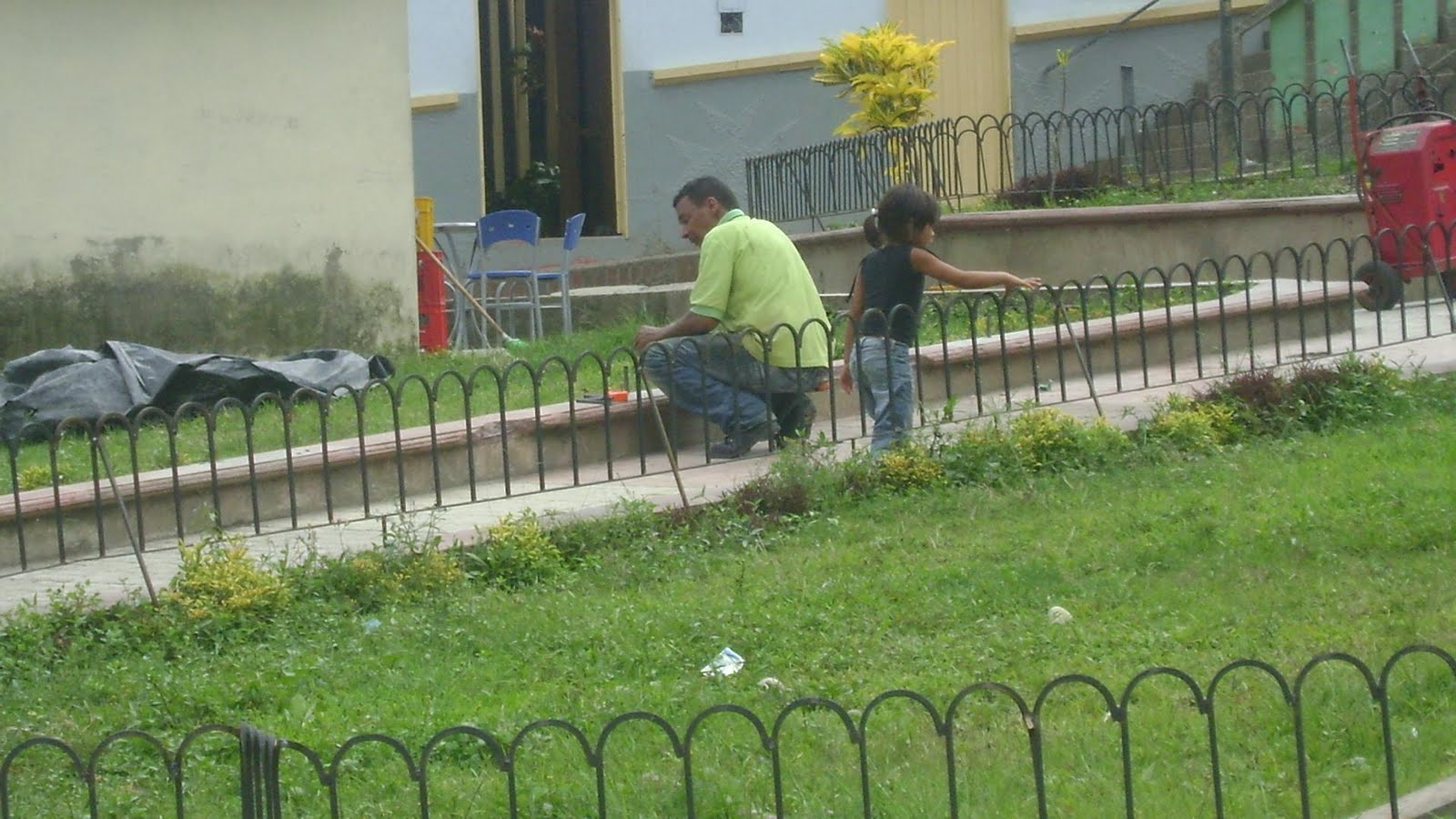 Ituango energia de colombia el parque de la granja for Verjas para jardin