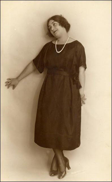foto de mujer antigua
