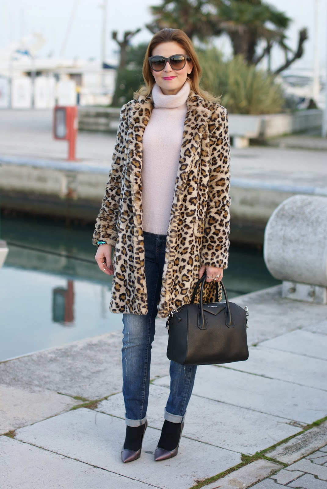 zara leopard coat, Fabi shoes, leopard faux fur coat, givenchy antigona bag, fashion and cookies, fashion blogger