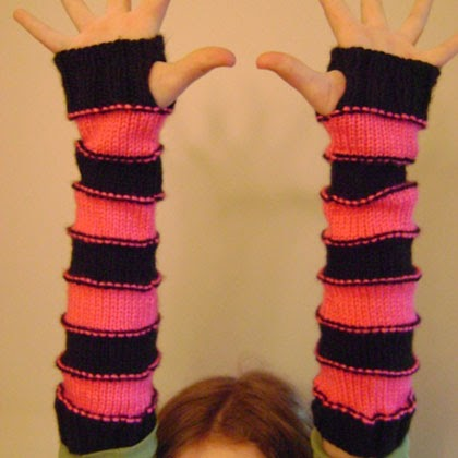 Free Crochet Pattern: Sweet Striped Arm Warmers
