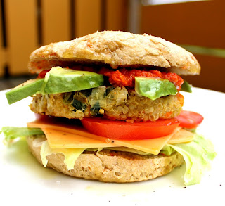 Oppskrift Hjemmelaget Sunn Kjøttfri Enkel Burger Veganburger Vegetarburger Monsterburger Quinoa