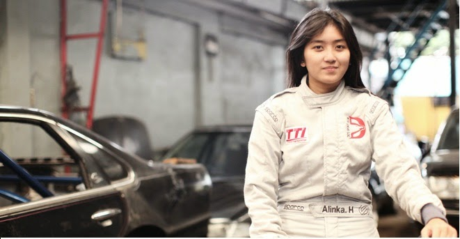 Down circuit since the age of 14 years, who grew up in a family Alinka racer, and she also to tried several types of sports racing.