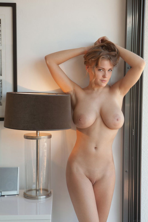 голые пухлые соски фото