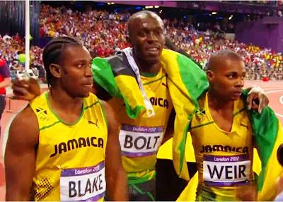 Bolt dominó de principio a fin los 200 y 100 mts planos en Londres 2012.