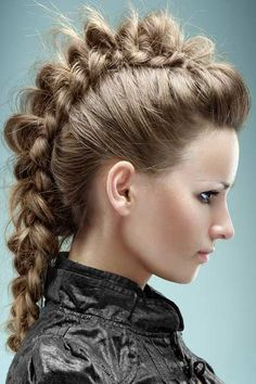 Current Trends in Hair & Make-Up: Braids and Plaits- Mohawk Braid