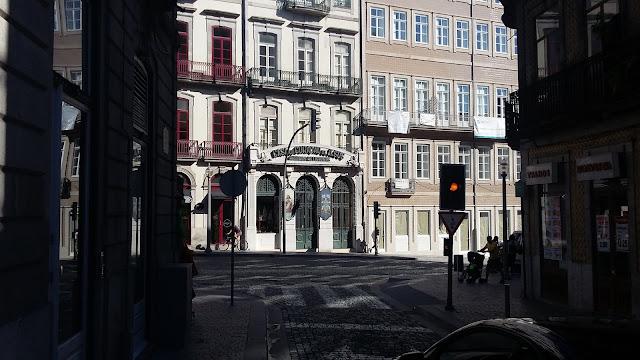 rue commerçante de Porto, Portugal