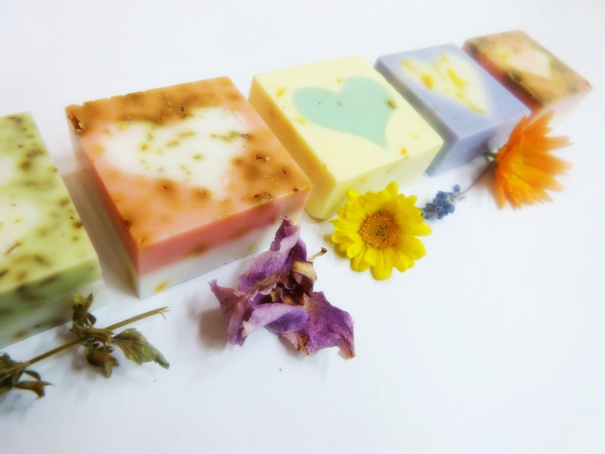 Ručně vyráběná mýdla od Sdružení Práh