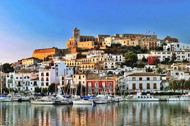 Como ir do aeroporto de Ibiza até o centro turístico