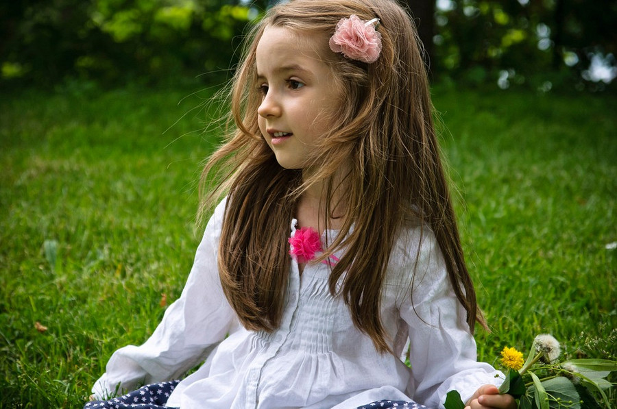 Images of download cute little girl fan cute babies pics wallpapers august 2012 voltagebd Image collections