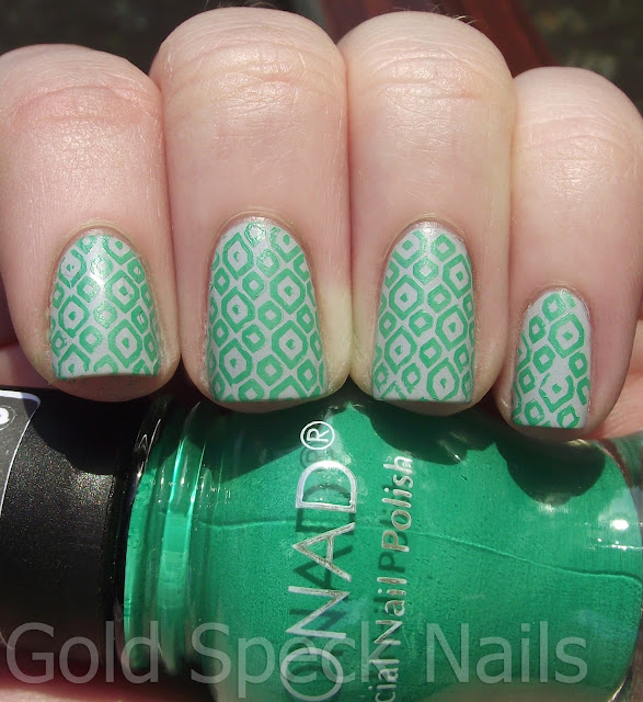 Nail 2000: Gold Speck Nails: January 2013