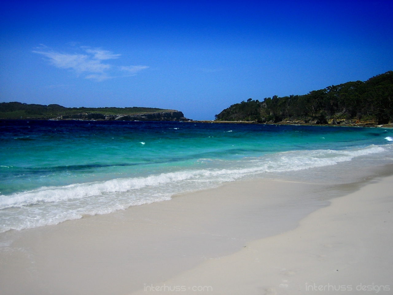 http://4.bp.blogspot.com/-a1QNaCpSNcU/TkNDYyhnnWI/AAAAAAAAAMg/ytUgR9w70q4/s1600/calm-blue-ocean.jpg