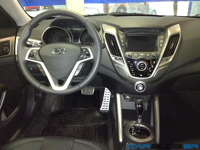 Hyundai Veloster 2013 - interior
