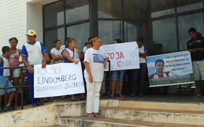 Manifestação: Familiares e amigos de Berg
