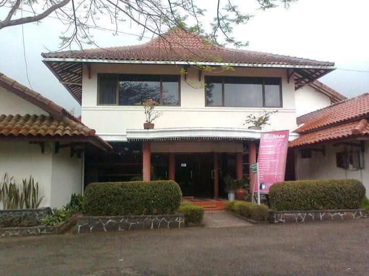 Resto cafe dan billiard di Hotel Pangalengan