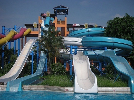 #17. Ho Tay Waterpark, Vietnam - The World's 25 Scariest Waterslides… I'm Surprised #6 Is Even Legal.