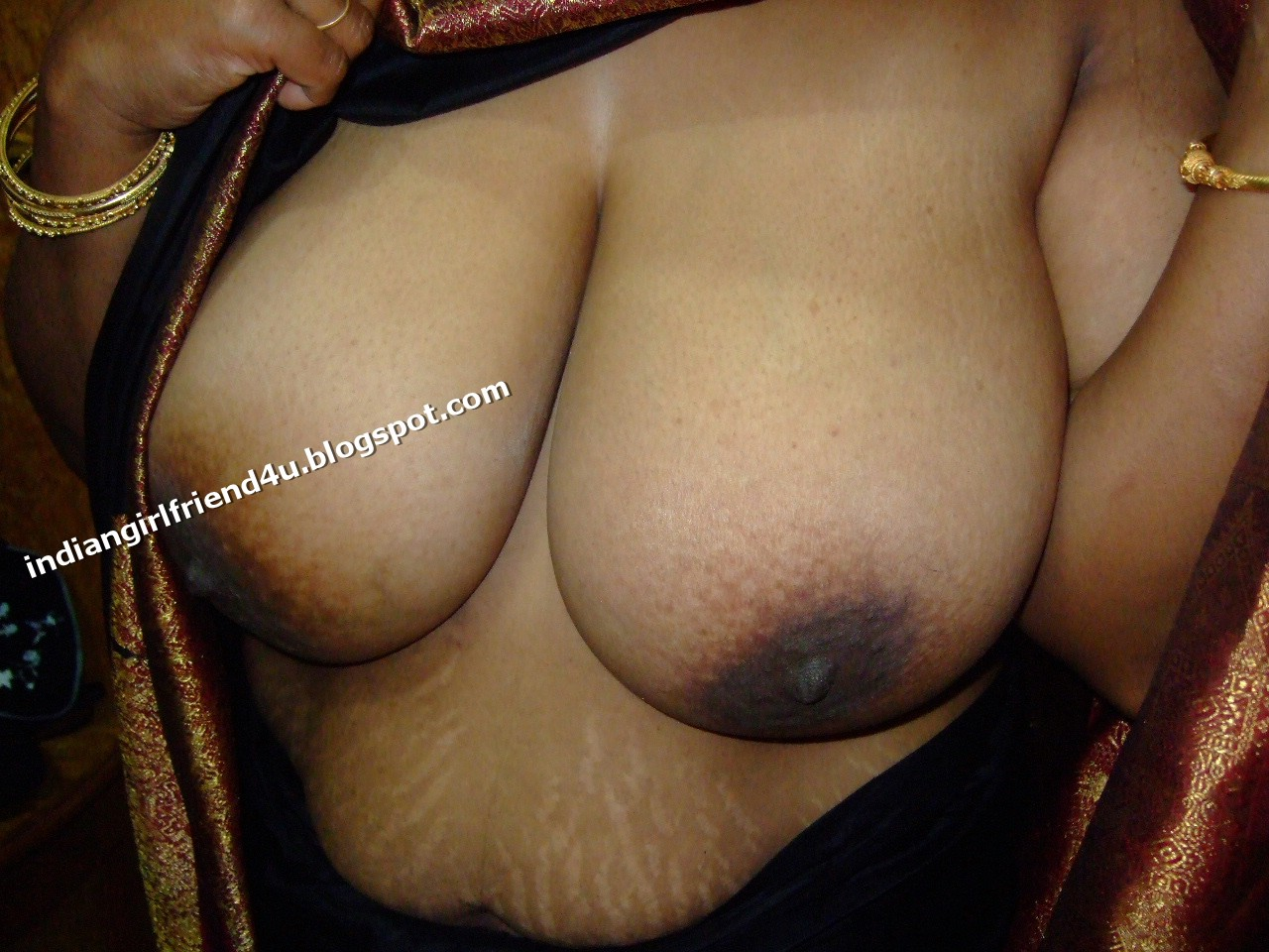 Hot Indian Girl Friends Down Blouse Nip Slip Wife