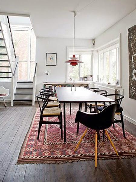 aranżacja jadalni z dywanem