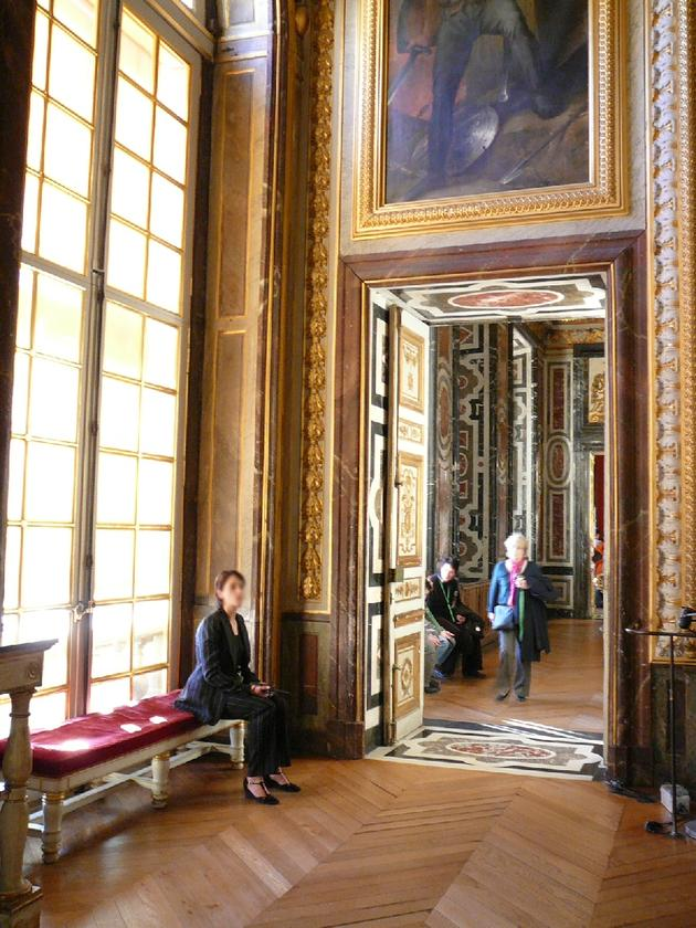 صور رائعة من باريس  Top_10_things_to_do_while_in_paris_grandappartreine_versailles2