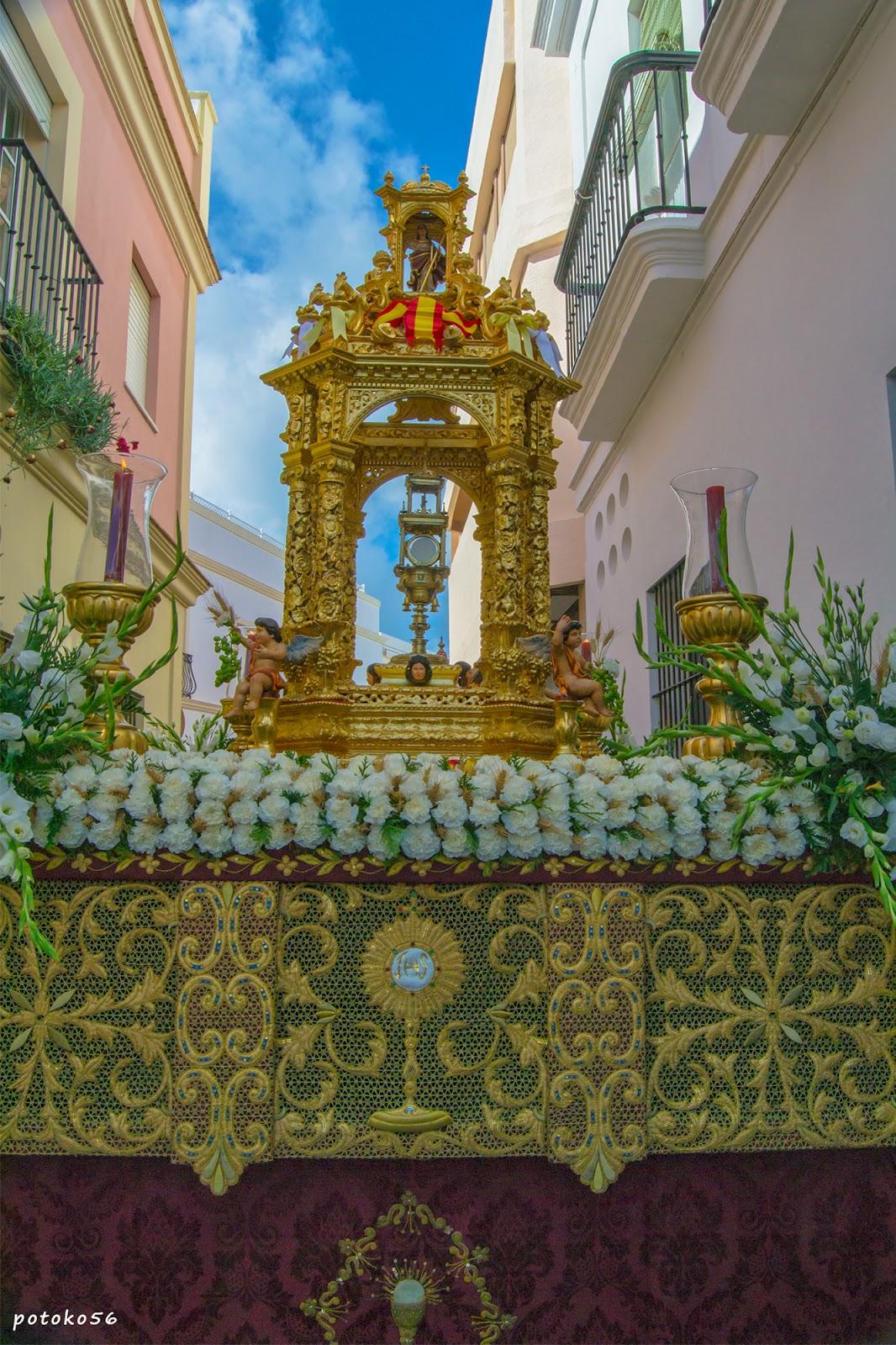 Paso y Custodia del Corpus Christi en Rota